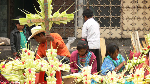 During the first days of May, the Sun passes directly overhead in Zunil, Quetzaltenango, Guatemala. On May 3rd the Maya build traditional crosses.&nbsp;<span class='italic'>Photo Credit:&nbsp;Tepeu Roberto Poz Salanic</span>