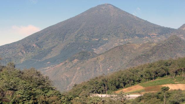 El volcán Zunil.&nbsp;<span class='italic'>Crédito de imagen:&nbsp;Isabel Hawkins</span>
